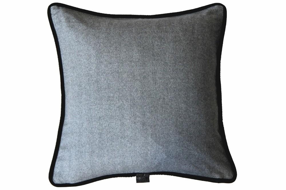 Light Grey Herringbone / Black Velvet